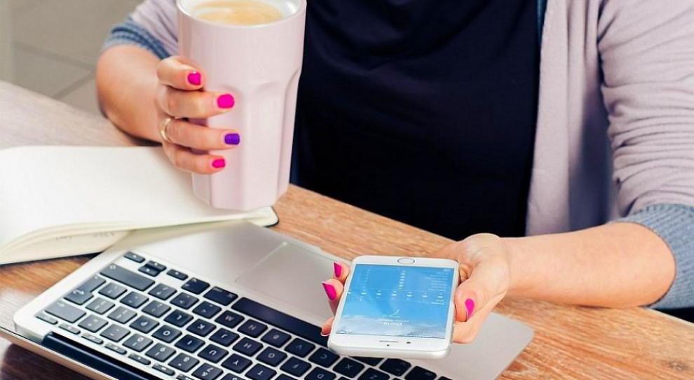 Praca w IT: Kobiety po 40. częściej decydują się na karierę w branży IT