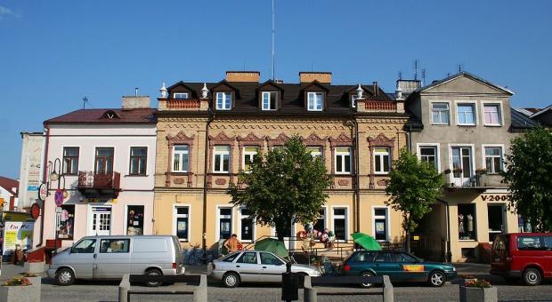 Burmistrz Augustowa: Dobrze płatne miejsca pracy to fundament