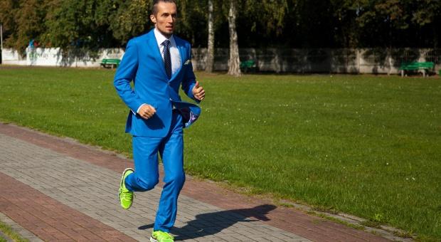 PZU Cracovia Półmaraton Królewski: Dariusz Laksa pobiegnie w garniturze