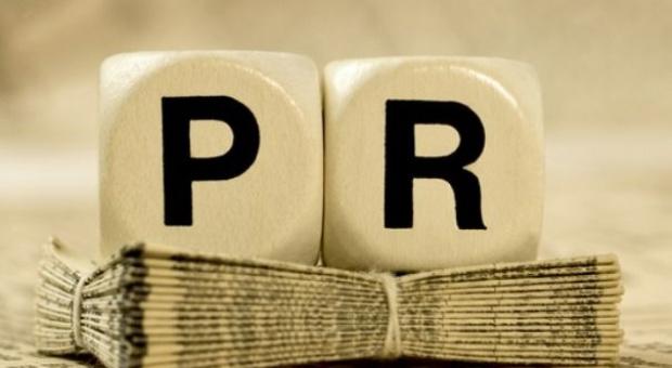 Praca w public relations: Ile zarabia specjalista ds. PR, ile ds. komunikacji wewnętrznej, a ile ich szef?