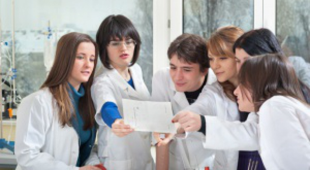 Pytania i odpowiedzi z egzaminów lekarskich jawne. Tyle, że po latach