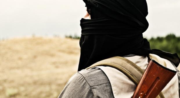 BŚ: Rekruci Państwa Islamskiego wykształceni lepiej, niż się wydaje