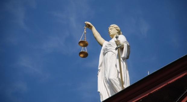 Ok. 50 prokuratorów skarży się do Strasburga za przeniesienie na niższe stanowiska