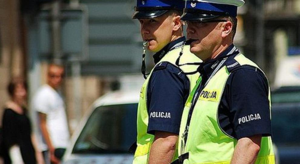 Praca w policji, zwolnienia: Policjanci mogą zapomnieć o awansie?