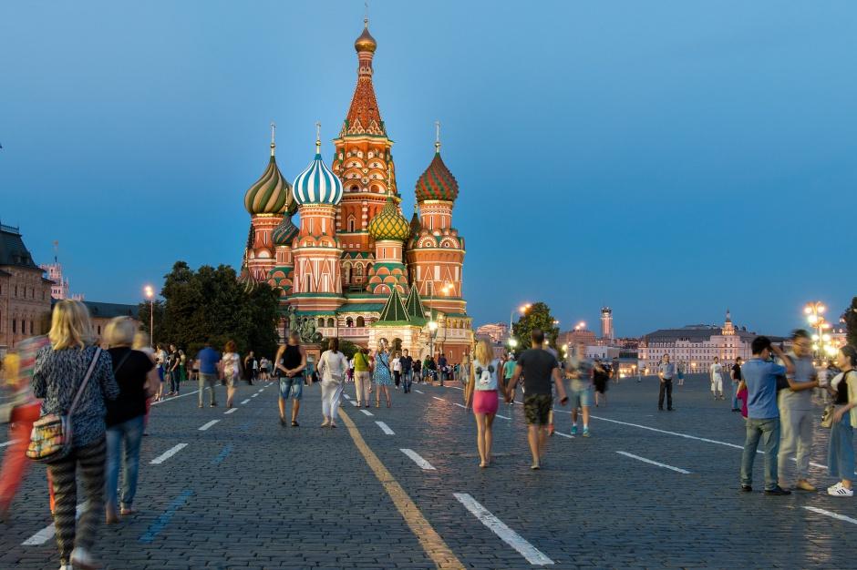 Zarobki: Klasa średnia w Rosji kurczy się