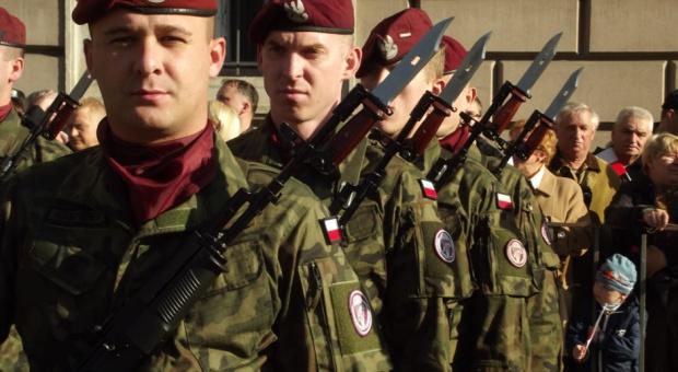 Macierewicz: Priorytetem MON jest szkolenie pilotów i reforma akademii wojskowej