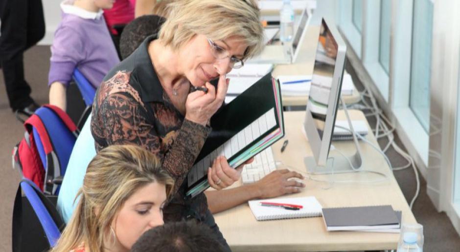 Dzień Edukacji Narodowej: Statystyczny nauczyciel w Polsce jest 43-letnią kobietą