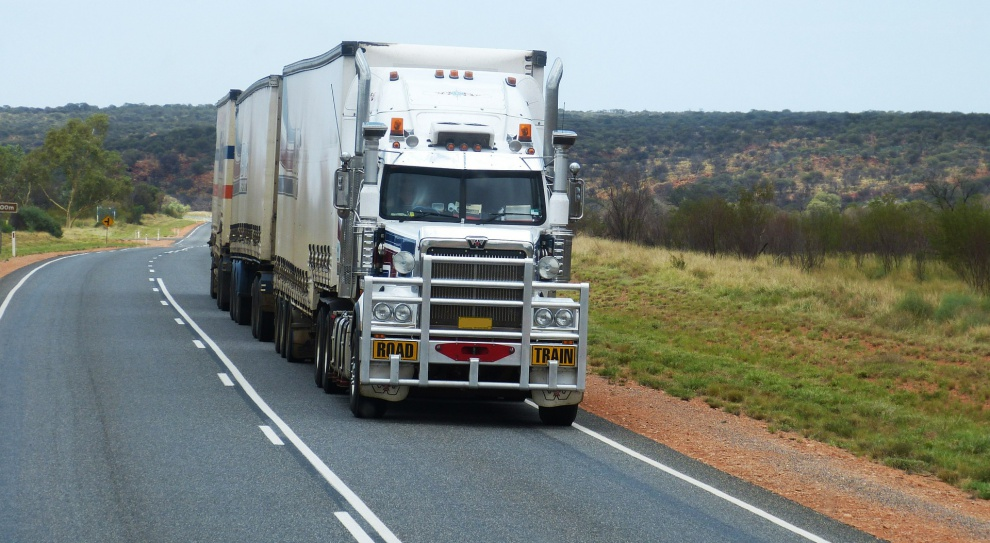 Brak kierowców ciężarówek zagrożeniem dla amerykańskiej gospodarki?