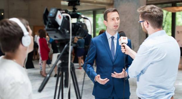 Kosiniak-Kamysz: Brakuje pracowników z określonymi kwalifikacjami, więc presja płacowa będzie rosła