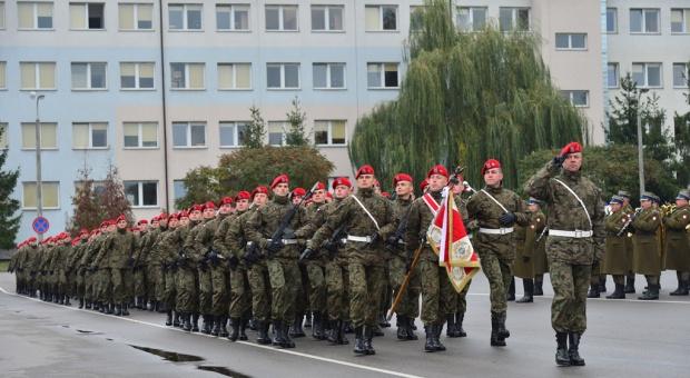 Wojsko, wynagrodzenia: Żołnierze dostaną wyższe dodatki do uposażenia