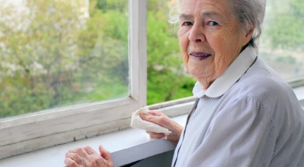 Emerytury i renty: 75 proc. kwoty najniższych emerytur wolna od potrąceń. Komornik jej nie zabierze