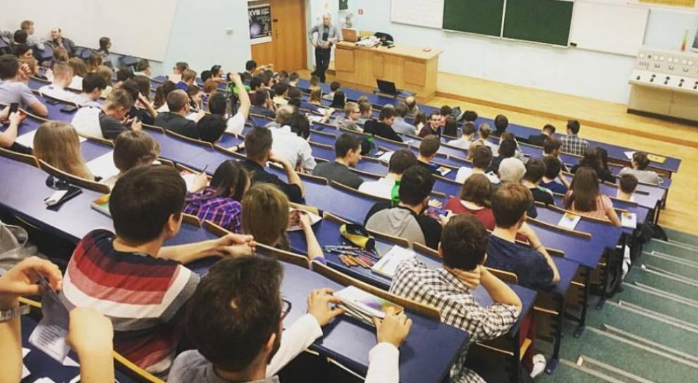 36 proc. studentów uczelni technicznych to kobiety