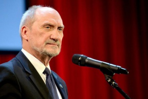 Macierewicz: Kontrakt na Caracale nie gwarantował 6 tys. miejsc pracy