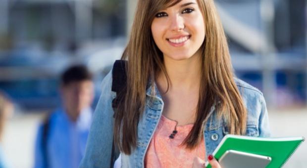 Studia, praca, staże i praktyki: Co trzeci student negatywnie ocenia rynek pracy