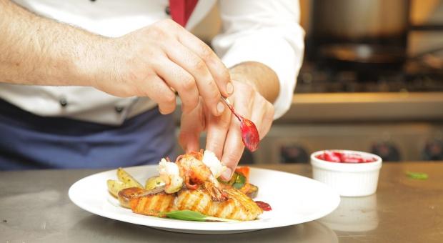 Szef dla Młodych Talentów: Absolwenci szkół gastronomicznych mają szanse na staż w Makro