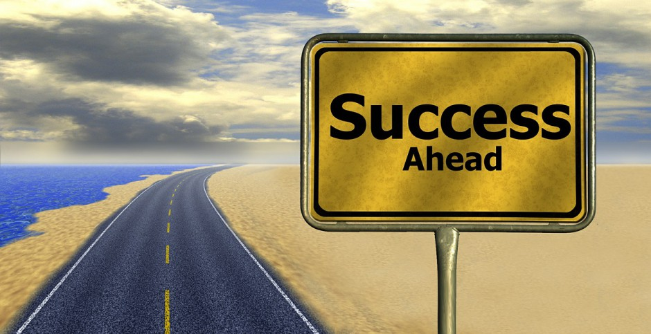Bez względu na liczbę lat spędzonych w firmie, powinna być satysfakcjonująca i tworzyć okazje do dalszego rozwoju. (Fot. Pixabay)