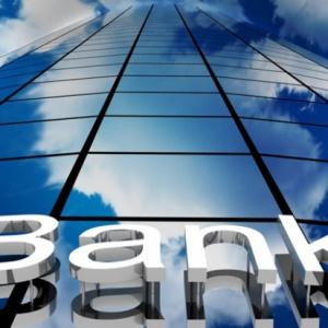Banki redukują oddziały, a pracownicy tracą pracę