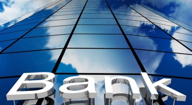 Zwolnienia w bankach: Banki redukują oddziały, a pracownicy tracą pracę