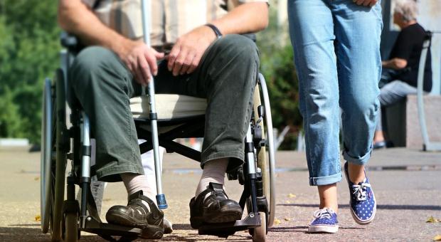 Zatrudnić niepełnosprawnego: Pracodawcy w Polsce wciąż niechętnie się na to decydują