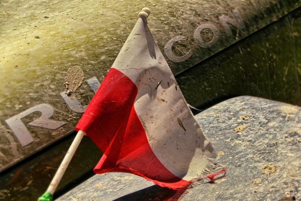 """Praca za granicą dzieli Polskę. Biznes z rządem, """"Solidarność"""" i budowlańcy z Niemcami i Francją"""