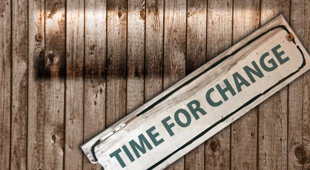 Co nas skłania do zmiany pracy?