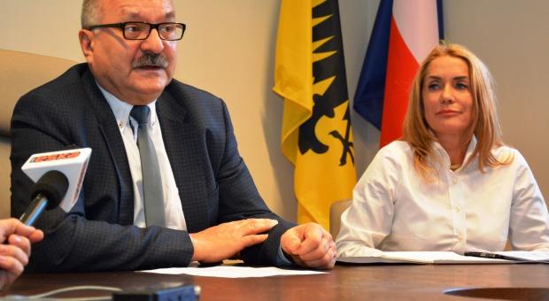 Marszałek województwa dolnośląskiego Cezary Przybylski podczas konferencji (fot.dolnoslaskie.pl)