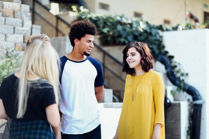 Millenialsi różnią się od innych pokoleń oczekiwaniami co do miejsca pracy, wyobrażeniami o karierze i tempie jej rozwoju. (Fot. Pexels)