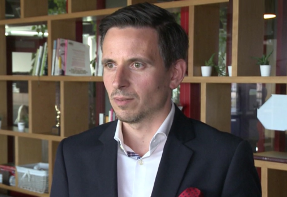 Praca w czasie studiów to istotny fragment CV (Łukasz Marciniak, fot.newseria)