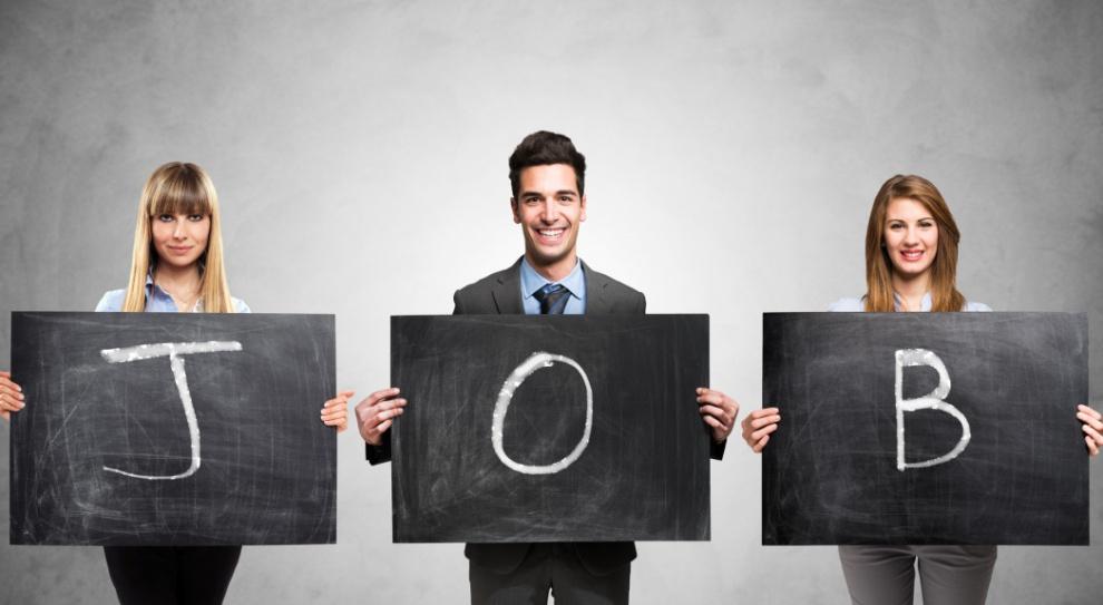 - Szacunkowo nawet w ok. 80 proc. przypadków, pracodawcy idą na kompromis obniżając swoje oczekiwania co do kompetencji kandydatów lub otwierając się na negocjacje warunków zatrudnienia – wskazuje Aleksandra Figura, team leader w firmie doradztwa personalnego People. (Fot. Fotolia)