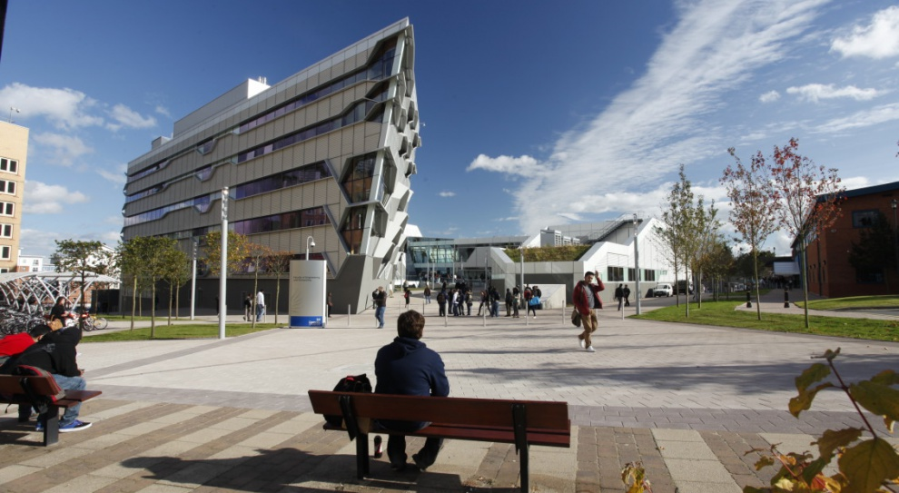 Brexit, studia w Wielkiej Brytanii: Uniwersytet Coventry otworzy filię w Warszawie? Nie chce stracić studentów