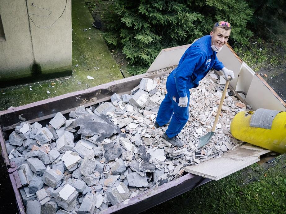 Firma Geberit postanowiła wyremontować łazienki w szkole podstawowej zlokalizowanej na warszawskiej Woli. (Fot. Mat. pras.)
