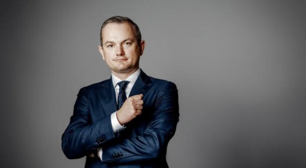 Robert Pietryszyn, Lotos: Pół miliona zł za pięć mięsięcy pracy