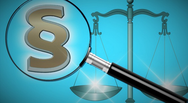 Potrącenia z wypłaty na podstawie wyroku sądu. Co to oznacza dla pracodawcy?