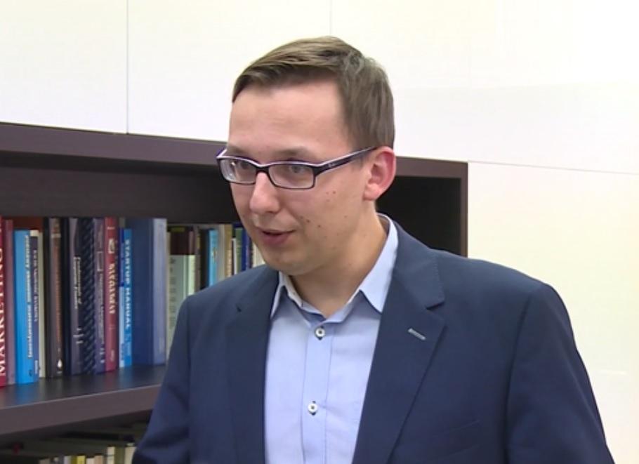Największe szanse na sukces mają wizjonerzy, doświadczeni biznesmeni, którzy potrafią dobrać właściwą strategię do etapu rozwoju start-upu (Szymon Wierciński, fot.newseria.pl)