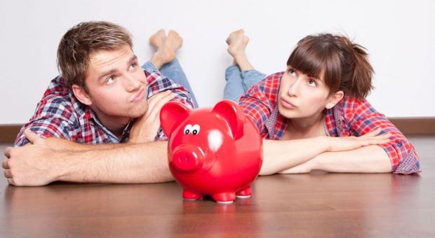 Zarobki, jednolity podatek: Małżonkowie nadal będą się mogli razem rozliczać