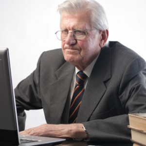 Starsi i młodzi pod jednym dachem firmy