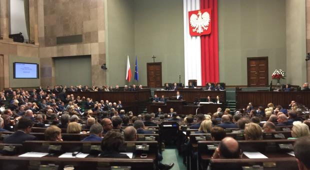 W Sejmie projekt ustawy poprawiającej otoczenie prawne przedsiębiorców