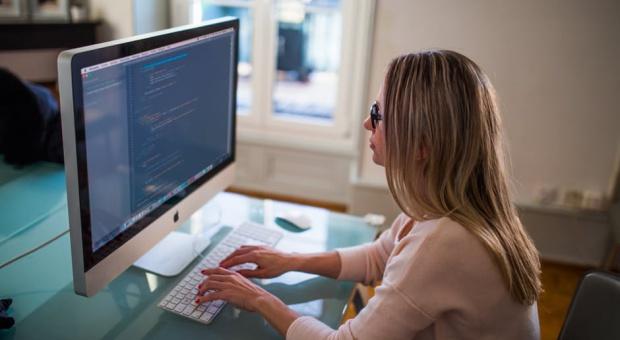 Kariera, praca: Kobiet w zarządach giełdowych spółek nieco więcej