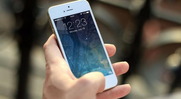 Nowe dowody i prawo jazdy: Urzędnik sprawdzi obywatela w telefonie