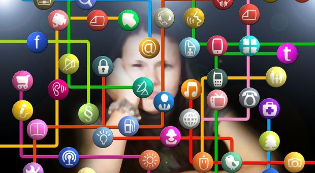 Praca: Kompetencje cyfrowe w cenie. Bez nich za kilka lat możemy nie dostać pracy