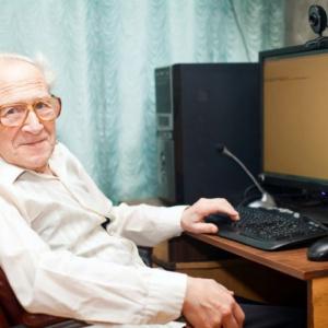 Seniorzy z wyższym wykształceniem pracują dłużej