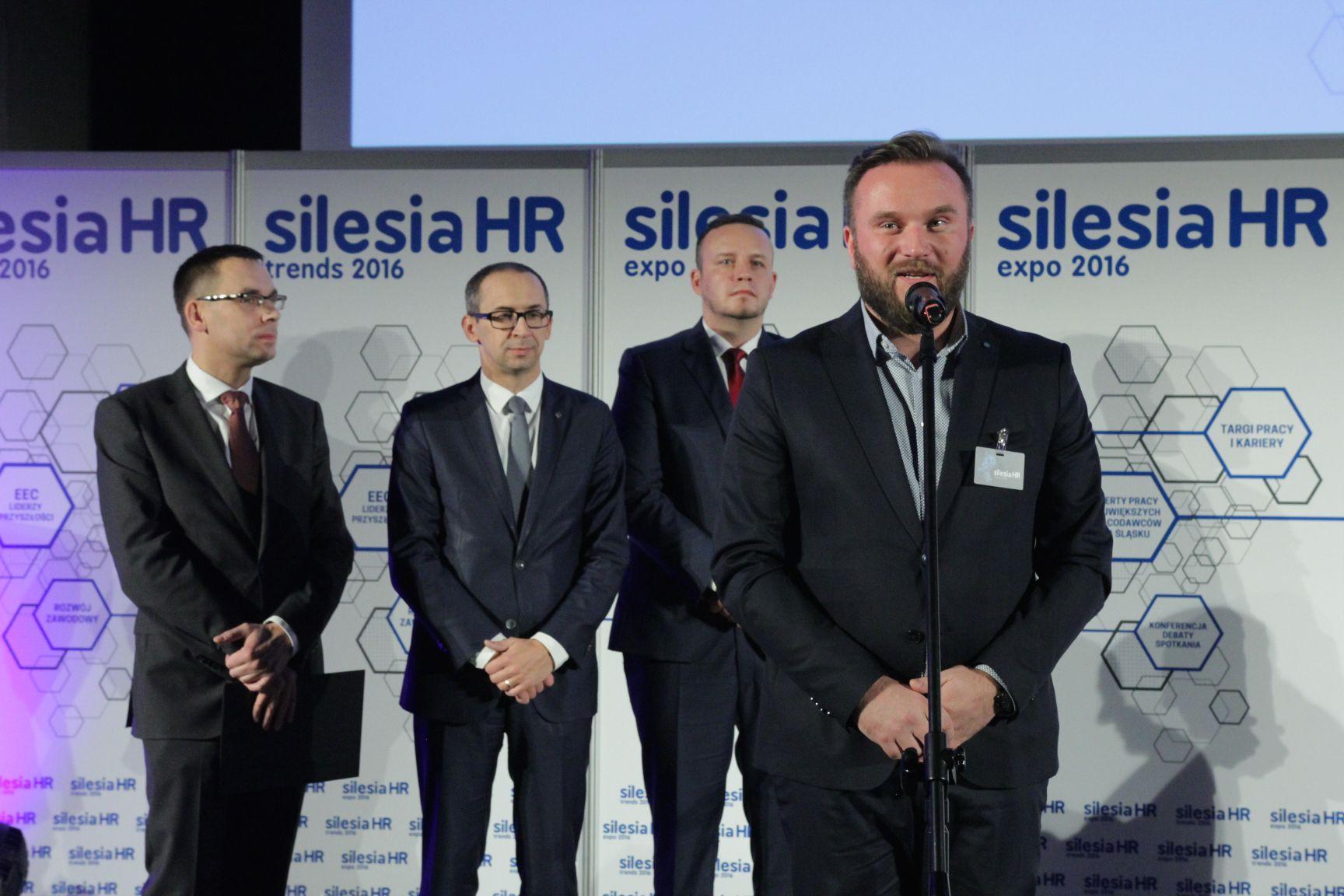 Nagrody dla najlepszych pracodawców wręczyli: Wojciech Kuśpik, Kazimierz Karolczak, Rafał Kerger i Adam Wąsik (fot.PTWP)