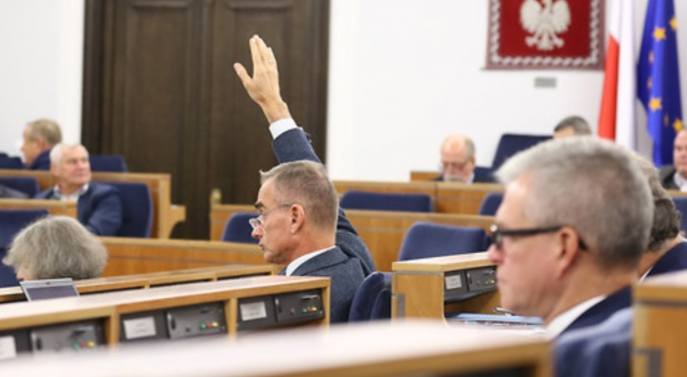 Senacka komisja: Bez poprawek do obniżenia wieku emerytalnego