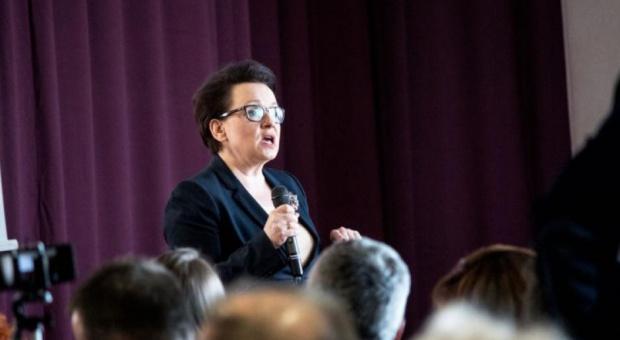 Reforma oświaty, Zalewska: Przybędzie kilka tysięcy nowych oddziałów i kilka tysięcy nowych etatów