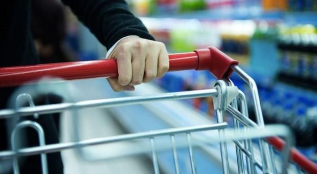 Zakaz handlu w niedziele: Ile osób straci pracę? Polska Rada Centrów Handlowych wylicza