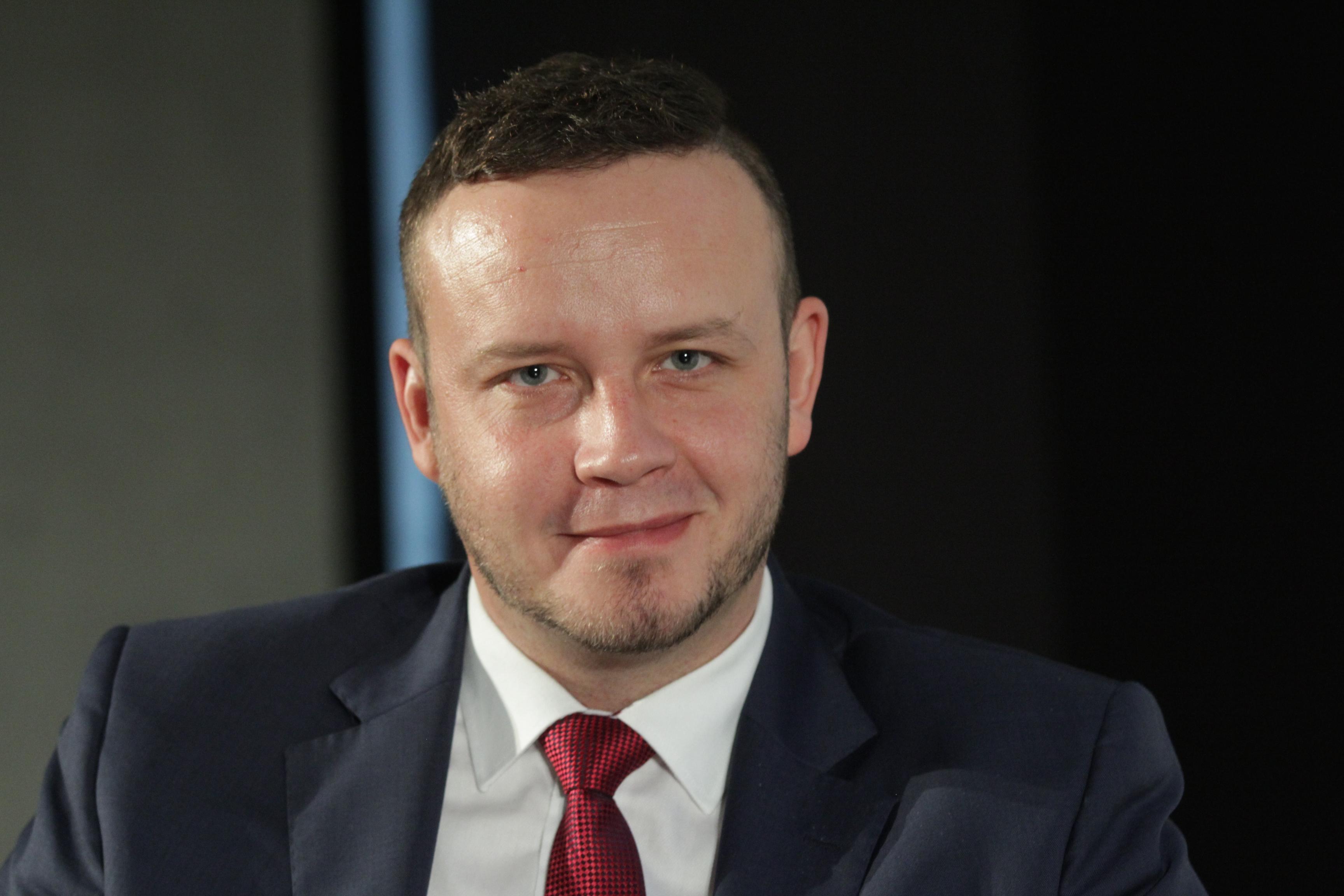 Ciekawą debatę o rynku pracy moderował Rafał Kerger, redaktor naczelny PulsHR.pl, PortalSamorzadowy.pl (Fot. PTWP)