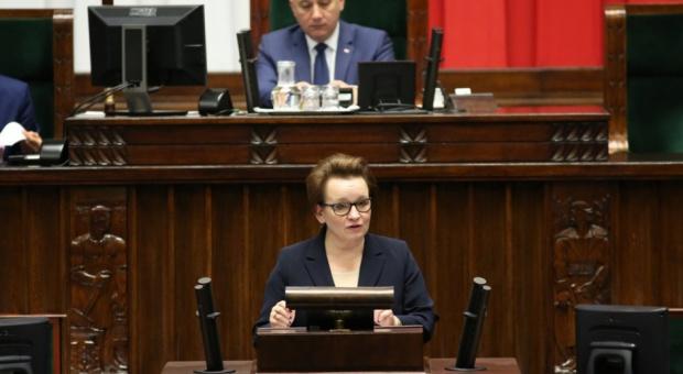 W Sejmie debata nad reformą edukacji. Zalewska: Absolwent, kończąc szkołę, powinien być przygotowany do pracy