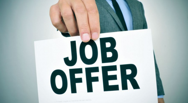 Szukam pracy, rekrutacja: Co drugi pracownik boi się zmienić pracę