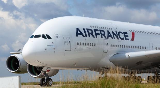 """Wyroki w zawieszeniu w procesie """"porwanej koszuli"""" dyrektorów Air France"""