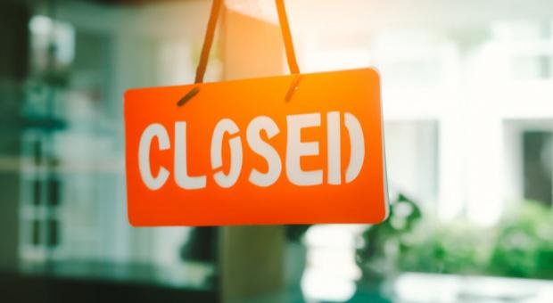 Zakaz handlu w niedzielę, PwC: Obroty spadną o 9,6 mld zł, pracę straci 36 tys. osób